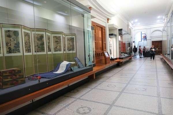 Victoria and Albert Museum 83