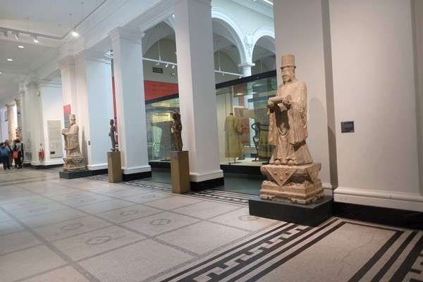 Victoria and Albert Museum 73