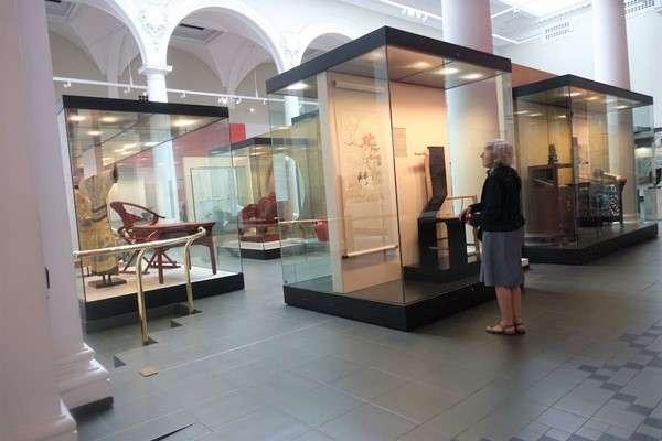 Victoria and Albert Museum 74