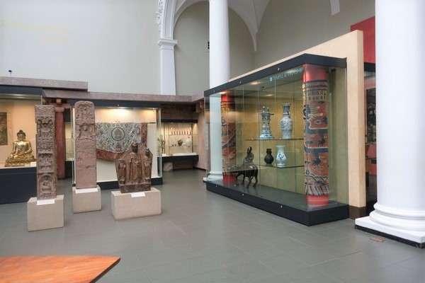 Victoria and Albert Museum 75