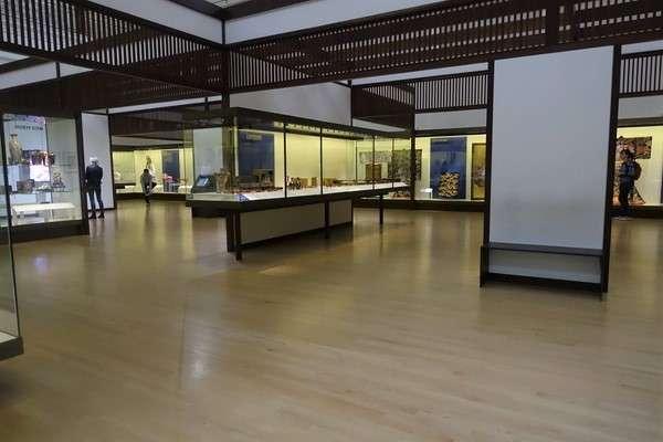 Victoria and Albert Museum 80