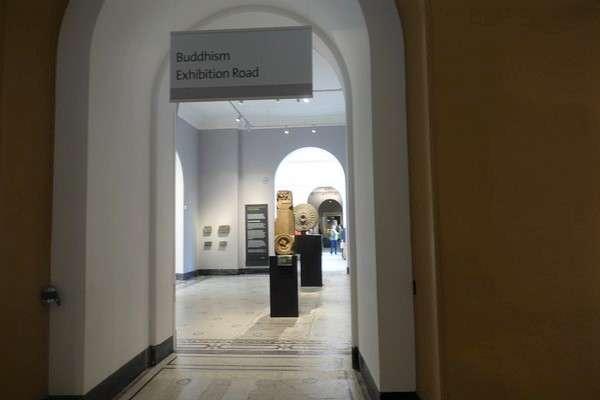 Victoria and Albert Museum 85