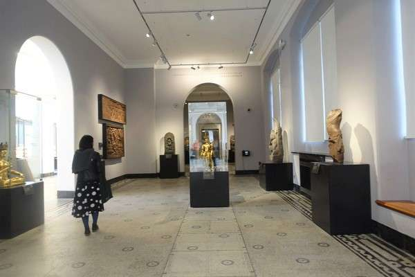 Victoria and Albert Museum 89