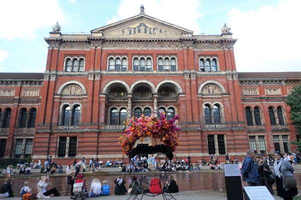 Victoria and Albert Museum 32