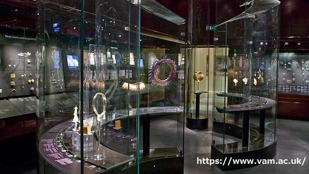 Victoria and Albert Museum 88