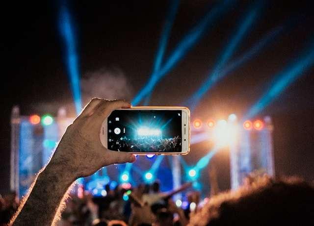 High-spec smartphone