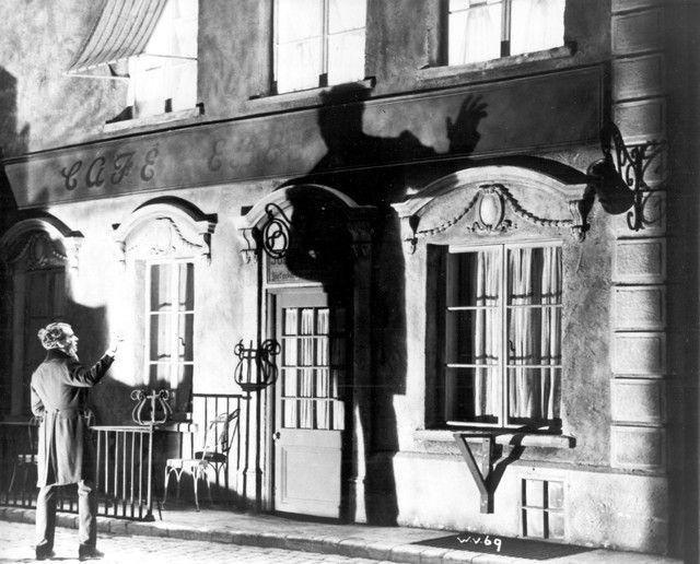 Alfred Hitchcock-Waltzes from Vienna(1933)