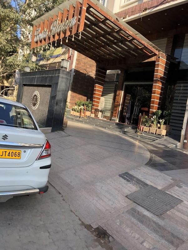 Hotel Costa Reviera, Varanasi