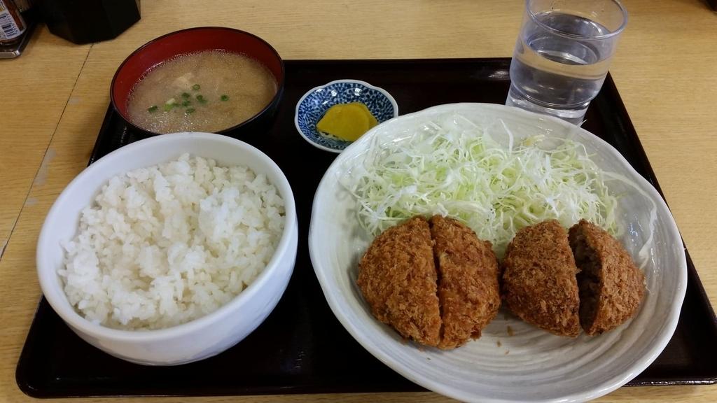 亀有牛メンチ+チーズメンチカツ定食