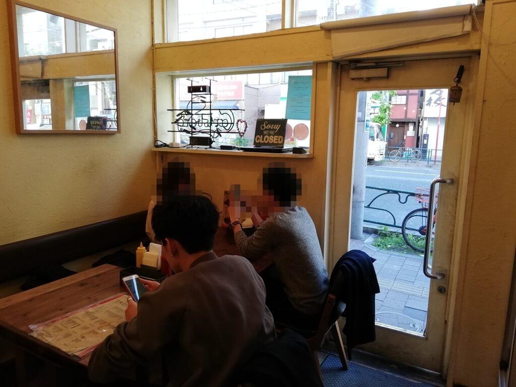 高田馬場『ホーミーズ(homeys)』の店内②