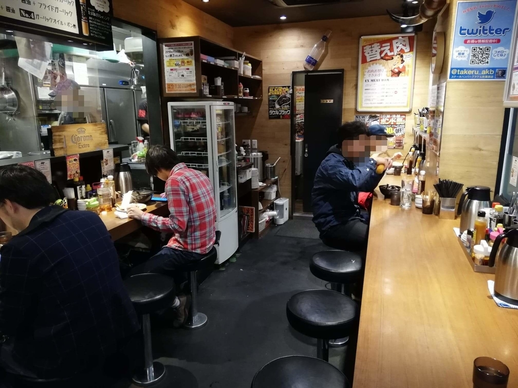 秋葉原『1ポンドのステーキハンバーグ タケル』の店内①