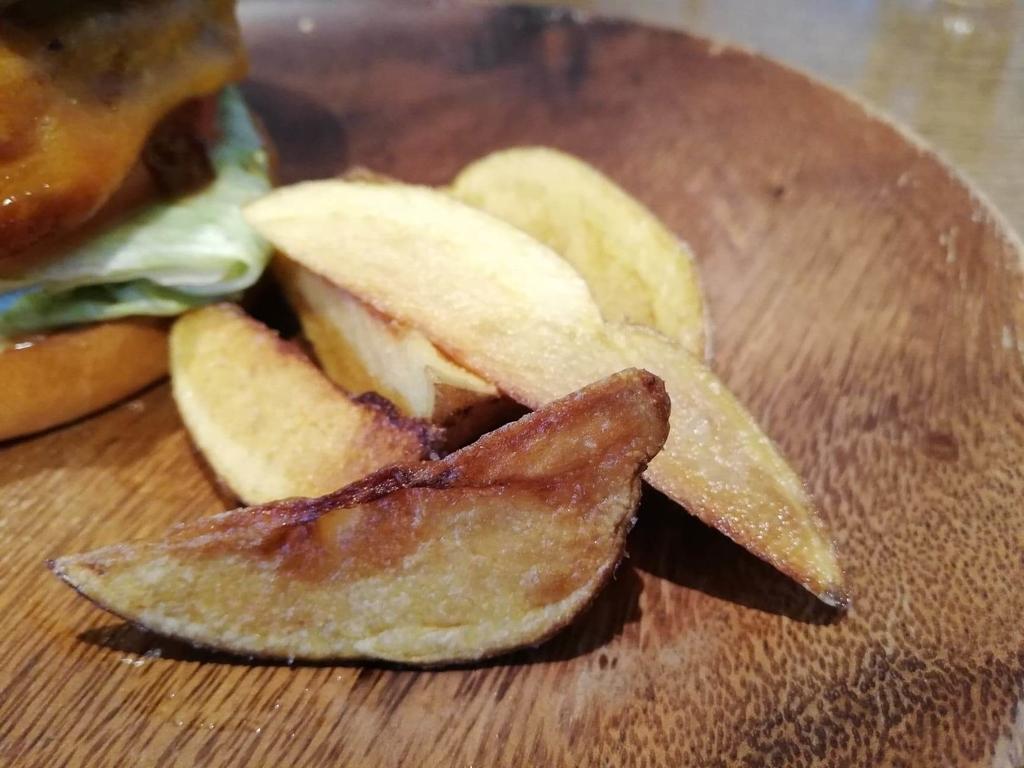 聖蹟桜ヶ丘『cafe GARDEN(カフェ ガーデン)』のGARDENバーガーの、ポテトのアップ写真