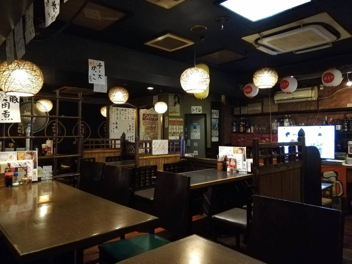 六本木『居酒屋のんでこ』の店内写真