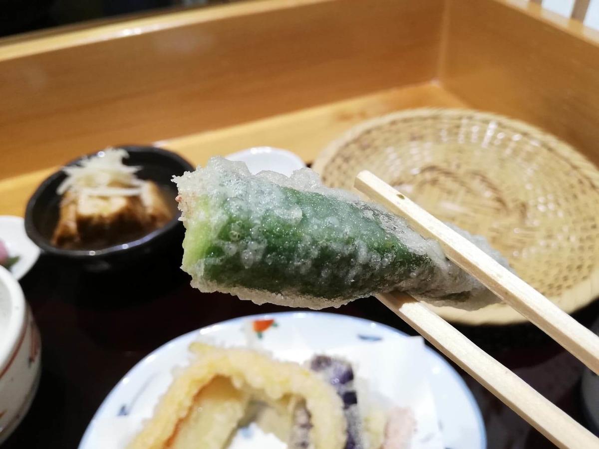 稲田堤『石づか』のオクラの天ぷらの写真