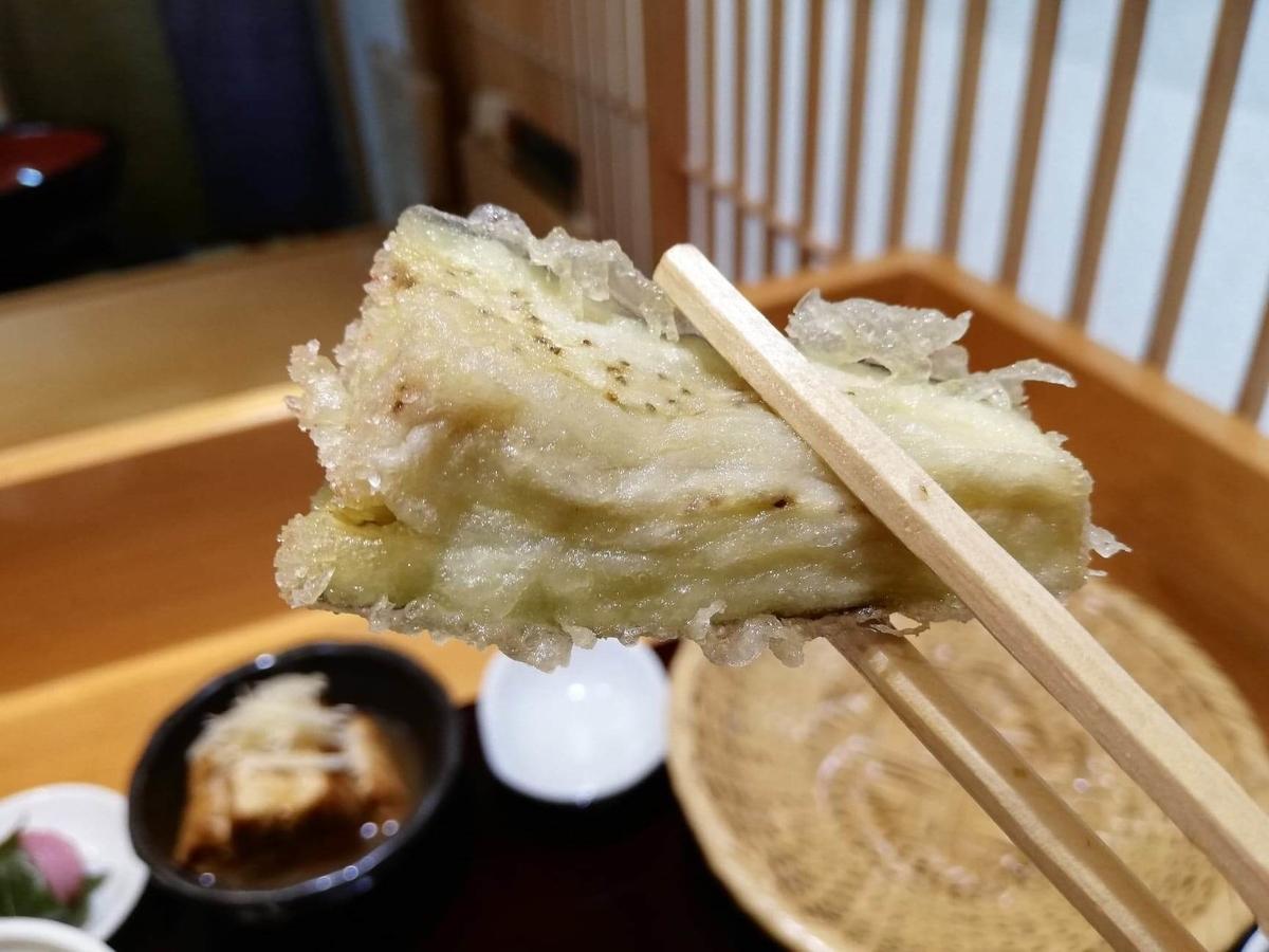 稲田堤『石づか』のナスの天ぷらの写真