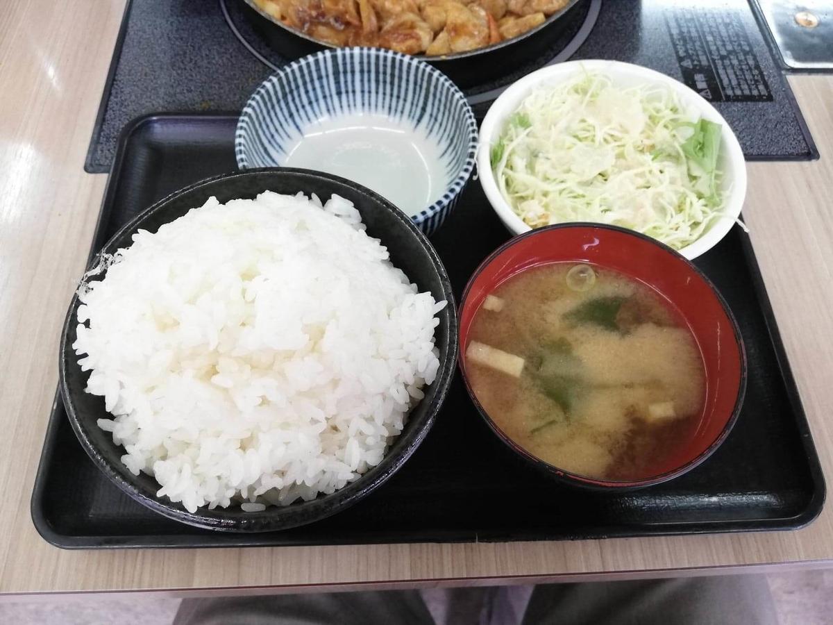 江古田『ふくふく食堂』のBBQ定食のセット品写真