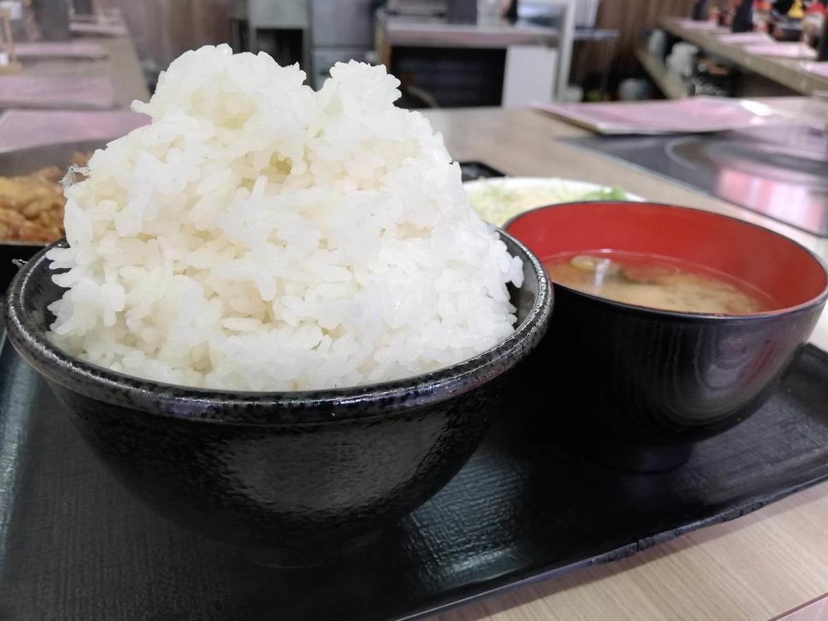 江古田『ふくふく食堂』のBBQ定食セットのライス写真
