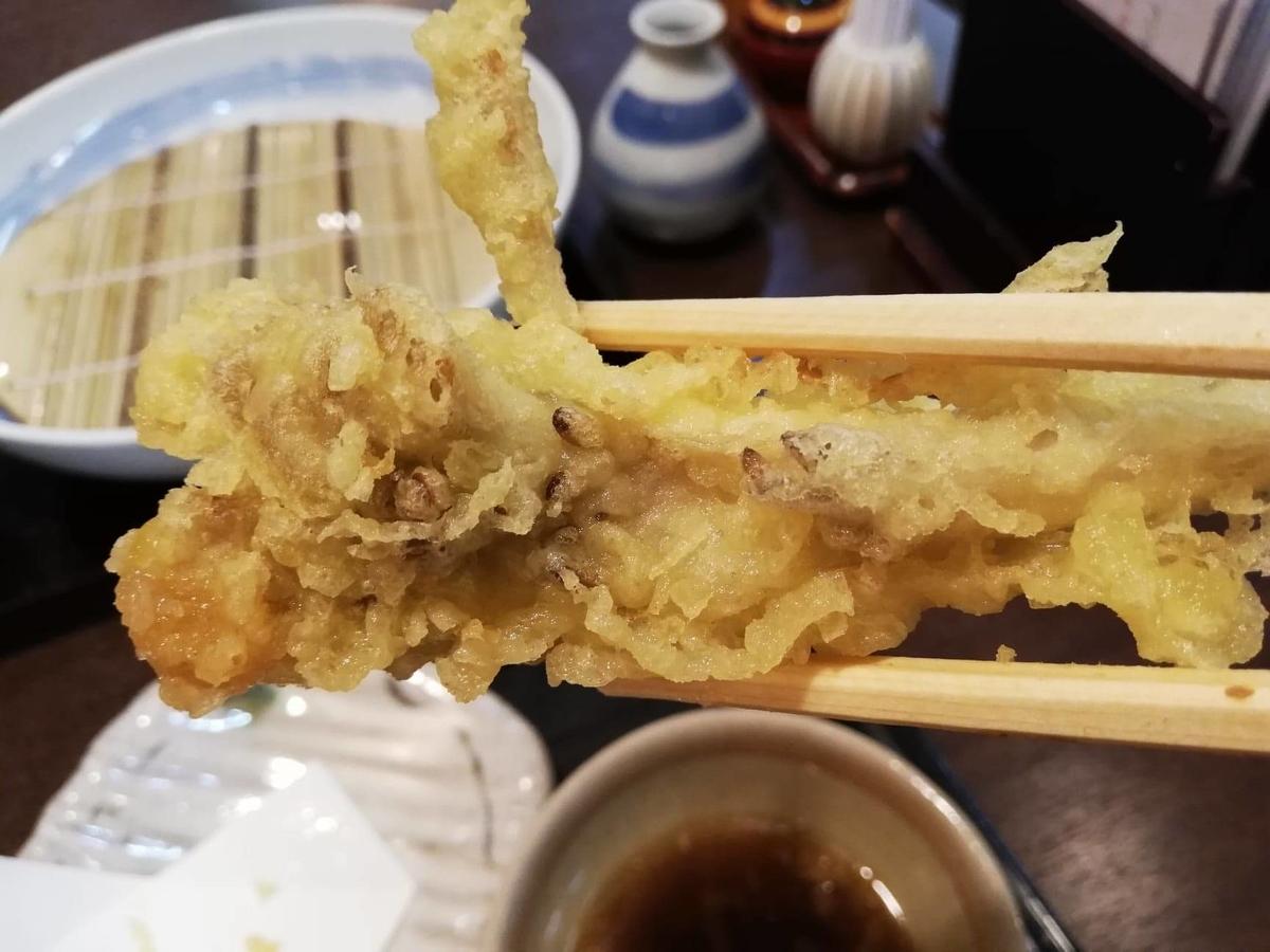 稲庭うどん『佐藤養助』秋田店の、舞茸の天ぷらの写真