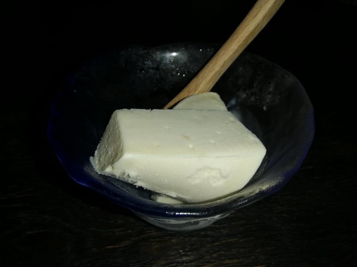 『秋田きりたんぽ屋大町分店』の、きりたんぽアイスの写真