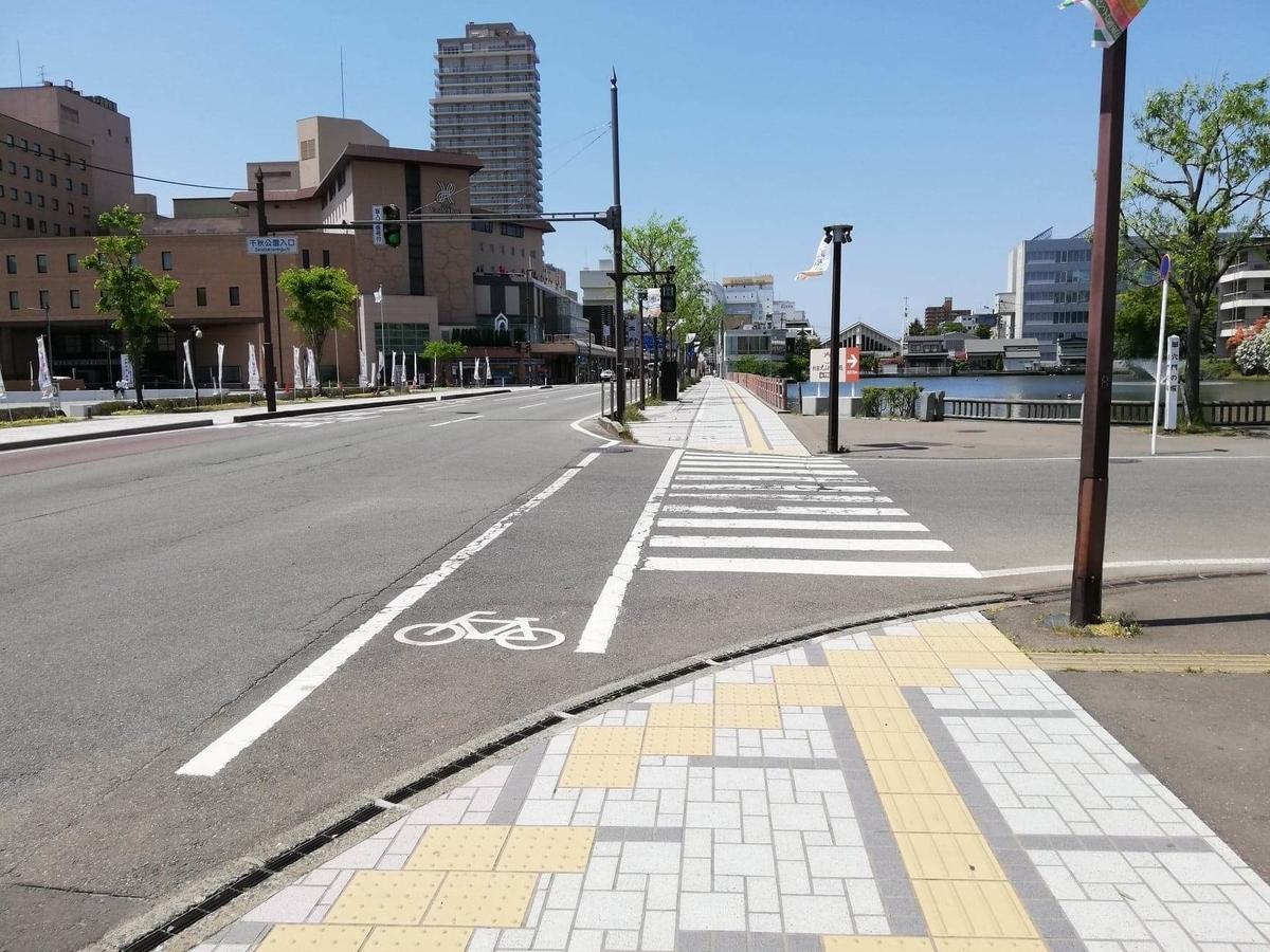 秋田駅から『秋田きりたんぽ屋大町分店』への行き方写真(8)