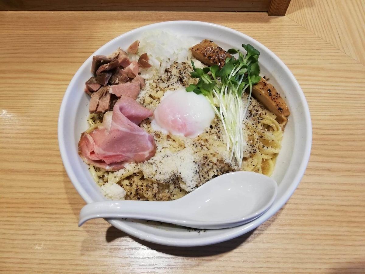 秋津(新秋津)『麺場二寅』の、鶏ボナーラの写真