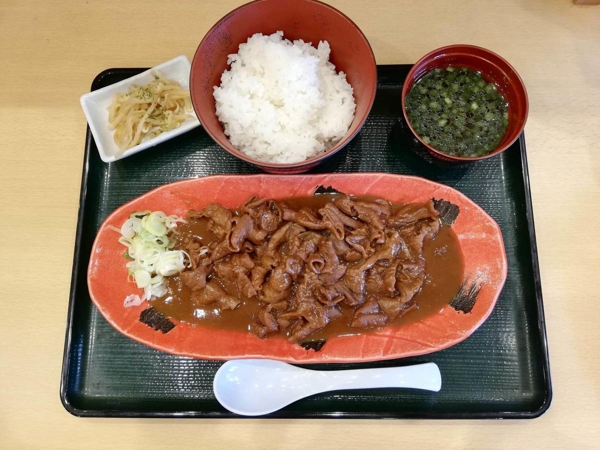記事トップの、久米川『東京餃子食堂』の信州味噌モツ煮定食の写真