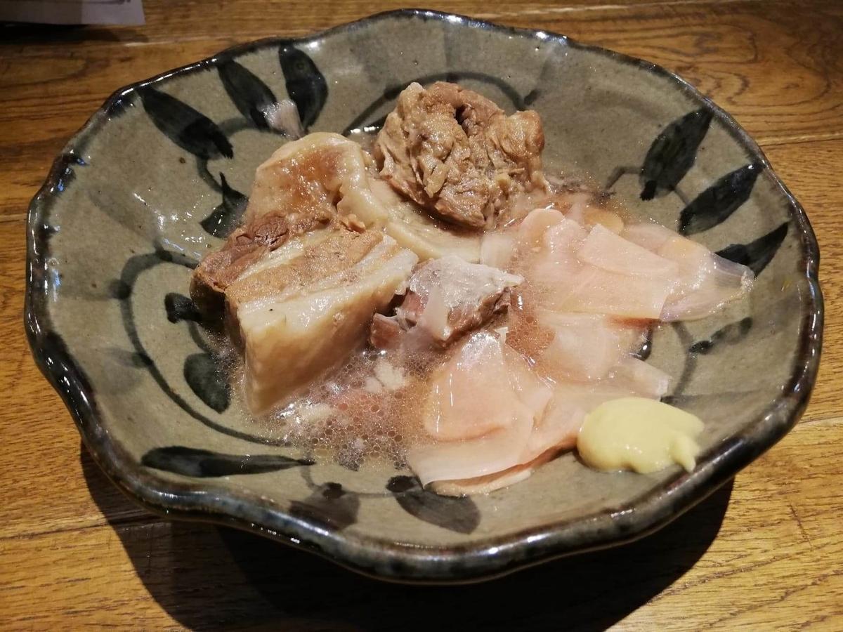 香川県高松市『瀬戸内豚料理紅い豚』の、ガリガリ角煮君の写真