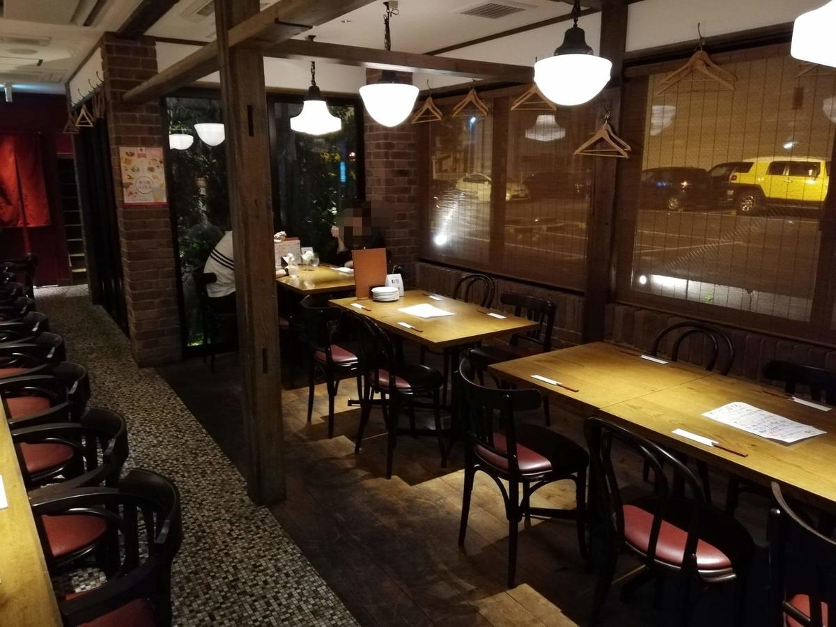 香川県高松市『瀬戸内豚料理紅い豚』の店内写真②