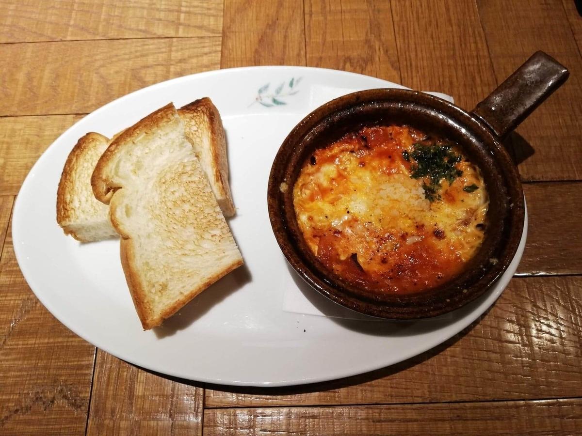 大宮『ドトール珈琲農園』の、3種チーズのあつあつたまごグラタンセットの写真