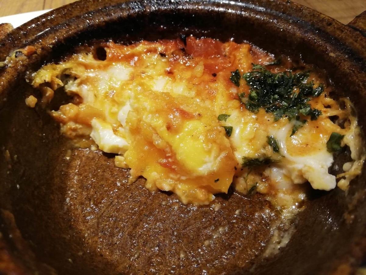 大宮『ドトール珈琲農園』の、残り少しの3種チーズのあつあつたまごグラタンの写真