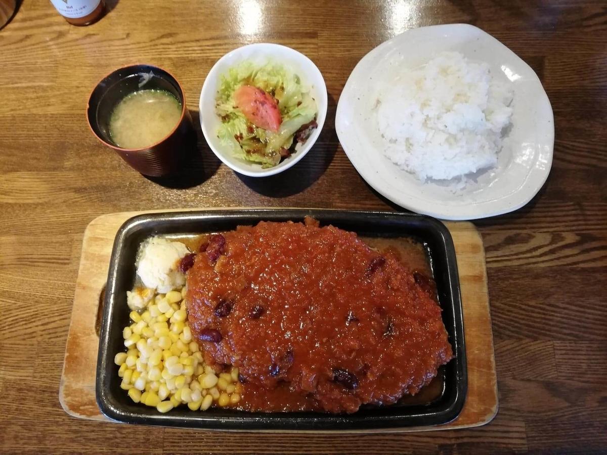 浦和『オープンキッチン然(Open Kitchen 然)』のハンバーグ定食の写真