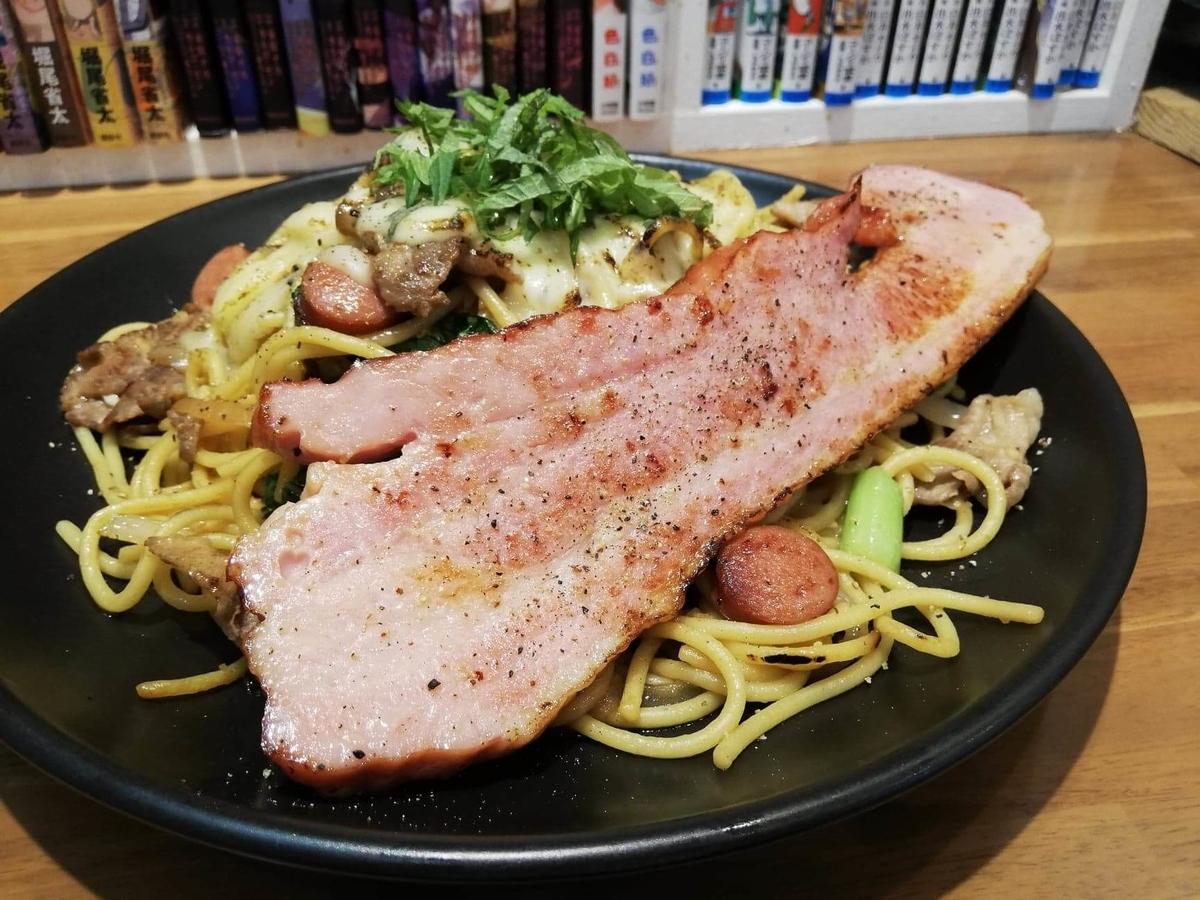 立川『スパゲッティPiaPia(ピアピア)』の、豚にんにくスパゲッティの写真