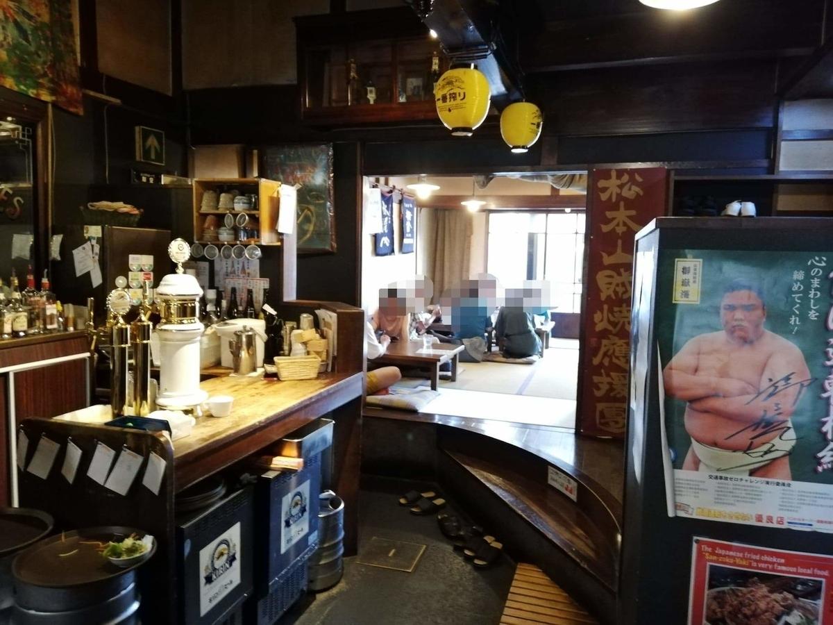 長野県松本市中町通り『食い飲み屋 BUN』の店内写真②