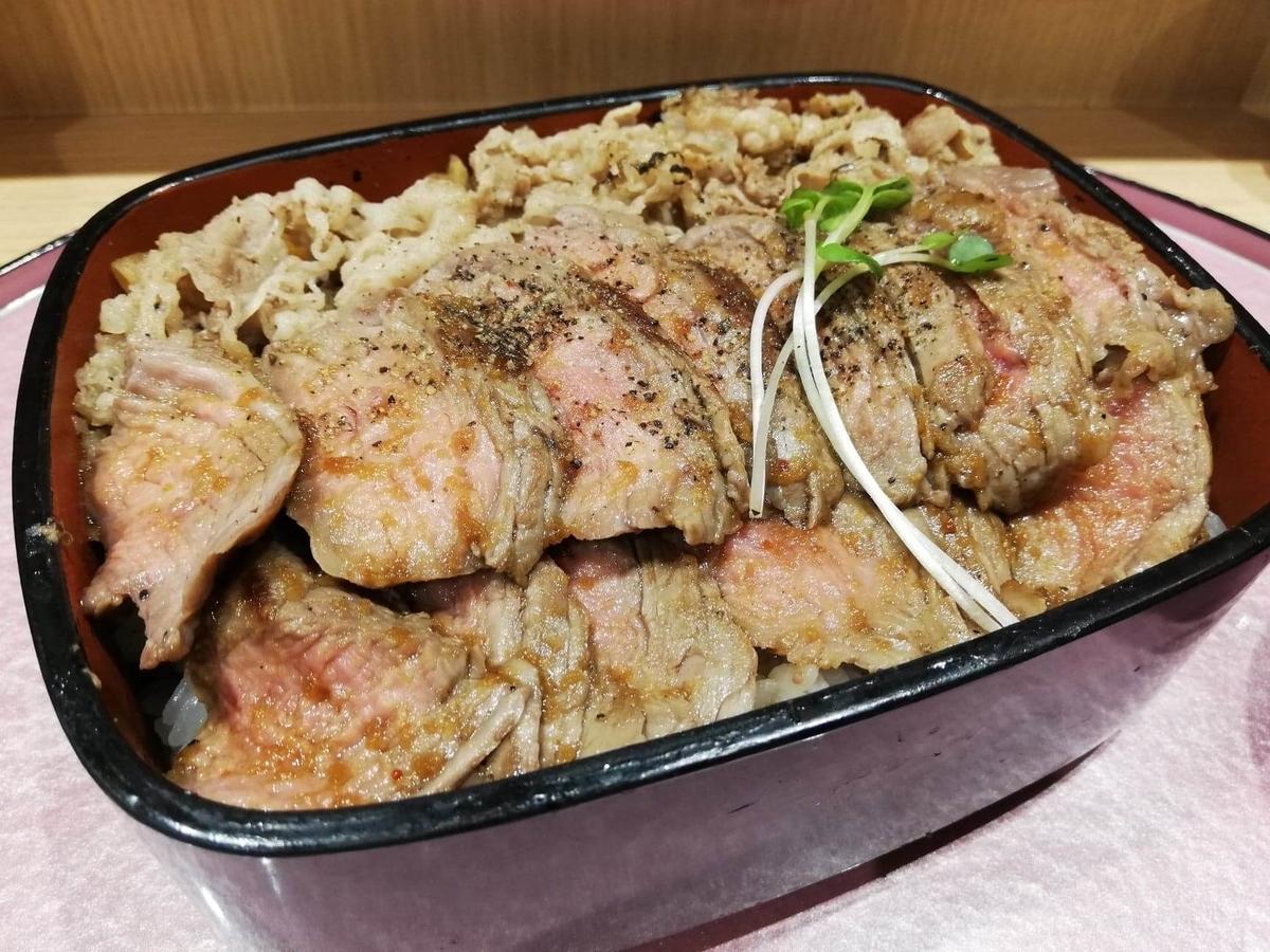 大阪『ビフテキ重・肉飯 ロマン亭』の、ロマン亭錦重の写真