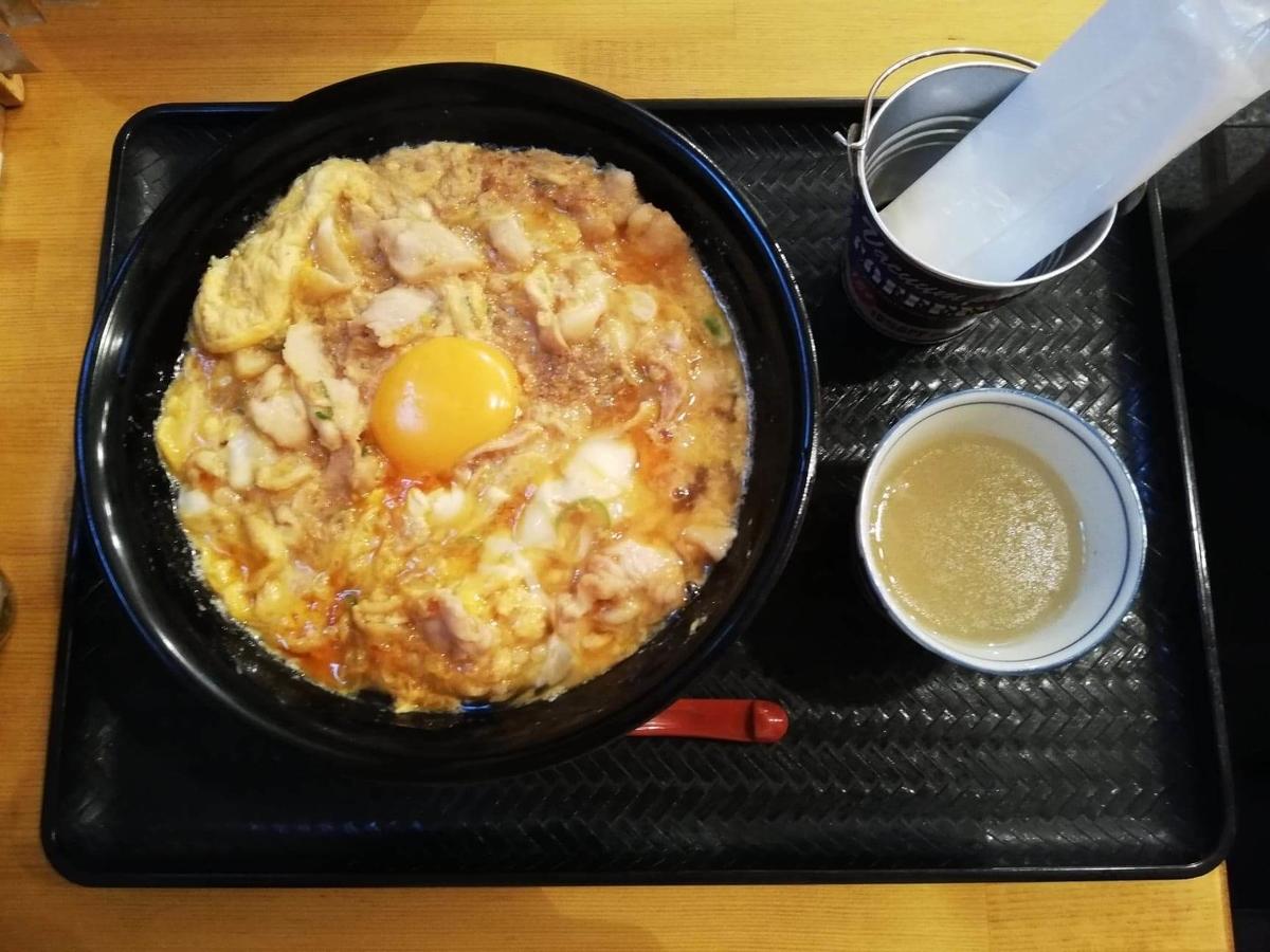 本川越『小江戸オハナ』の、親子丼セットの写真