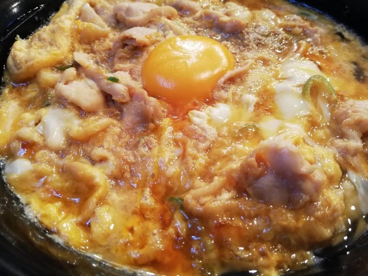 本川越『小江戸オハナ』の、親子丼のアップ写真