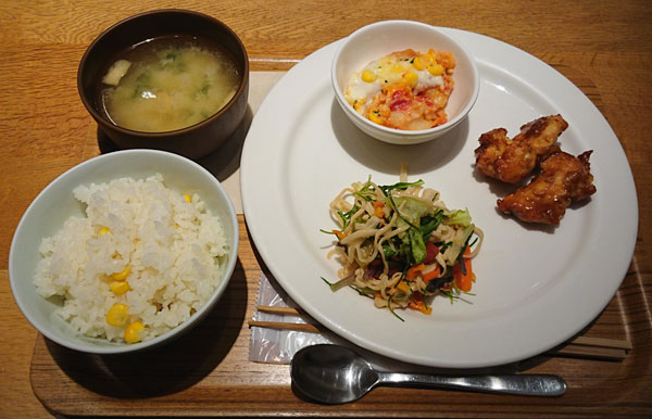 Cafe&Meal MUJIセレオ八王子