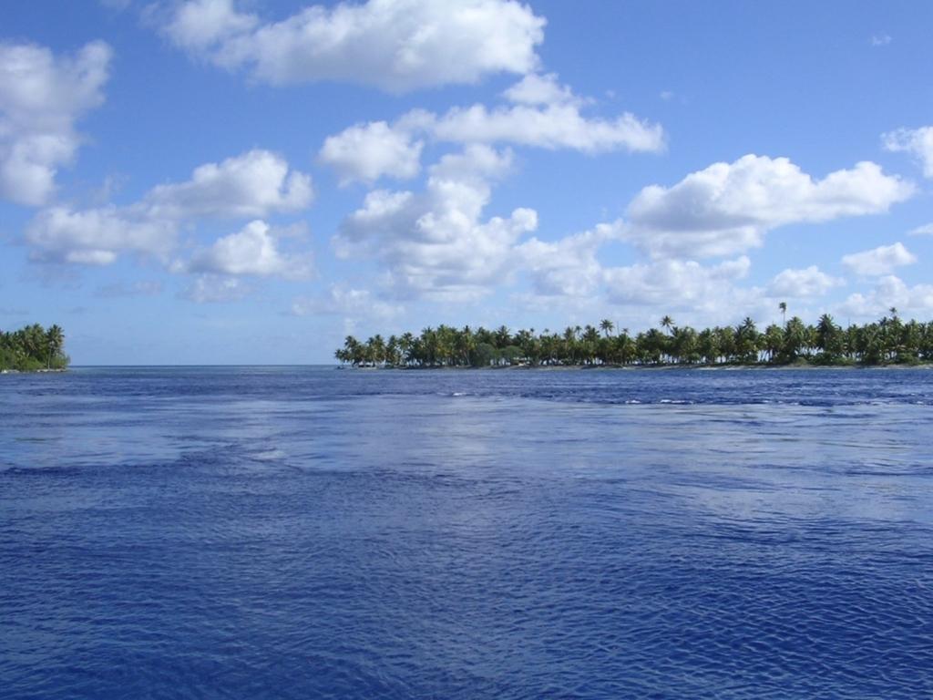 ランギロアの海
