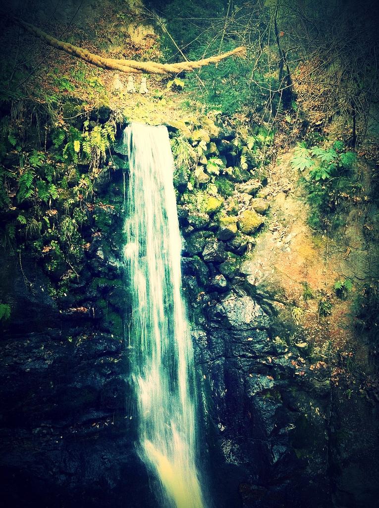 お不動の滝