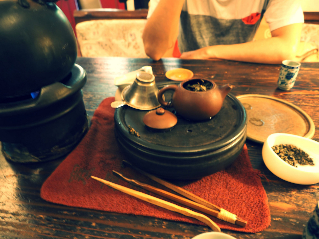 コンパクトな茶器