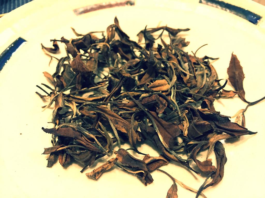 乾燥させた茶殻