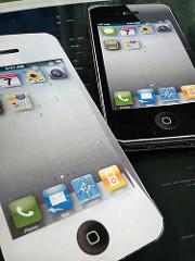 コピー用紙でできたiPhone4