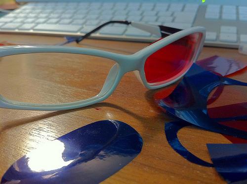作りかけの3Dメガネ