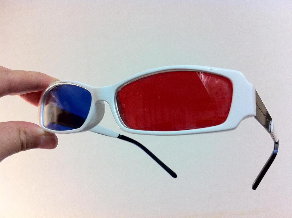 完成した3Dメガネ