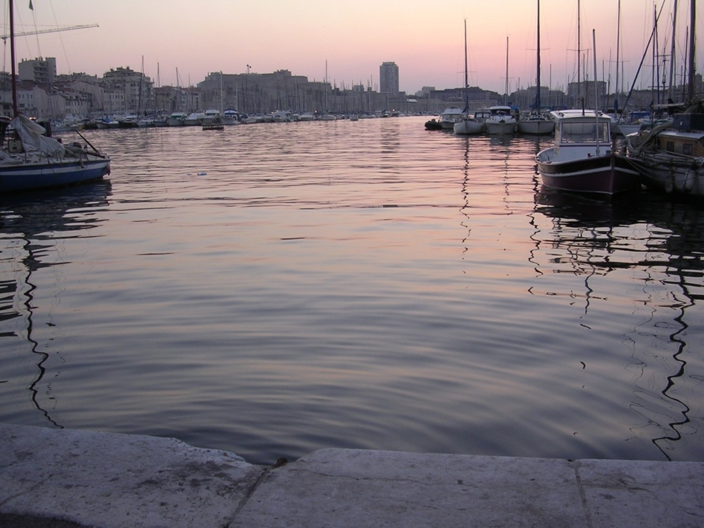 夕暮れの旧港