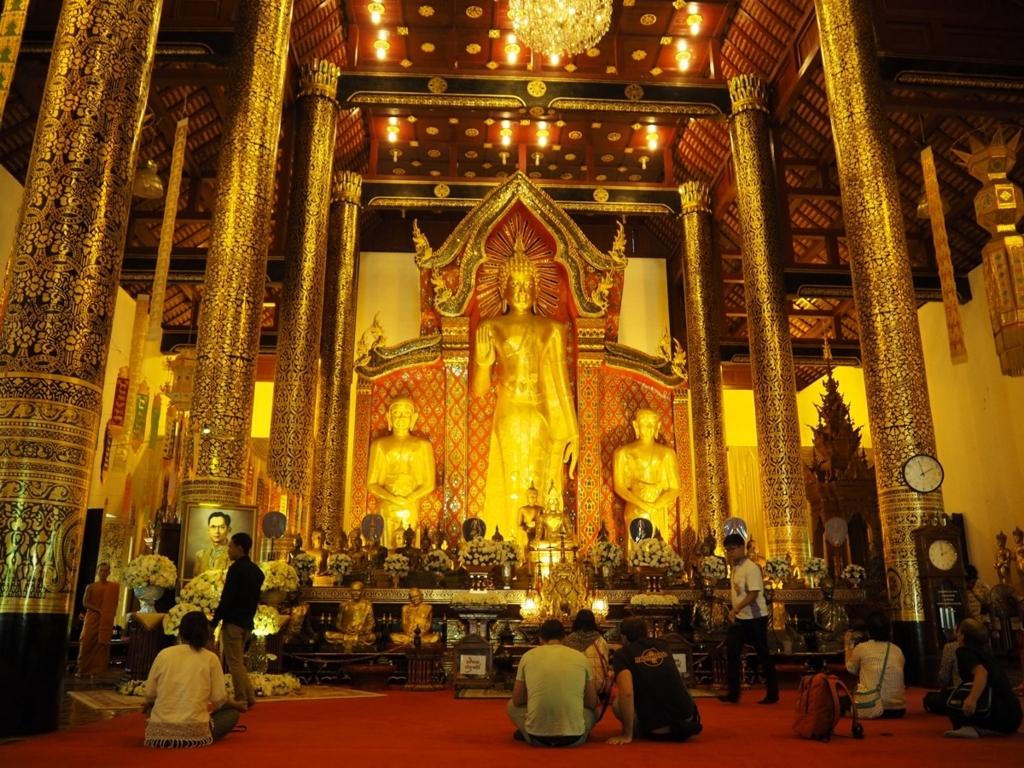 ワット・チェディルアンの黄金の仏像