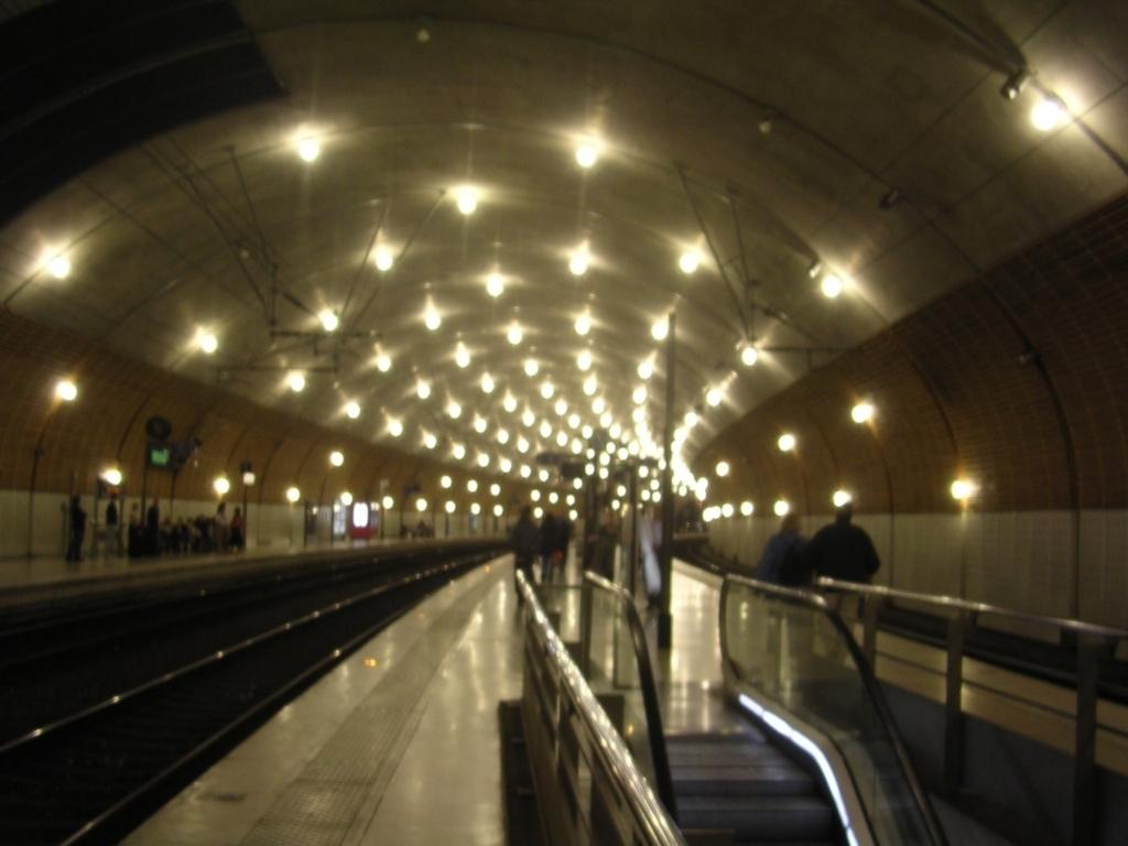 モナコの駅構内