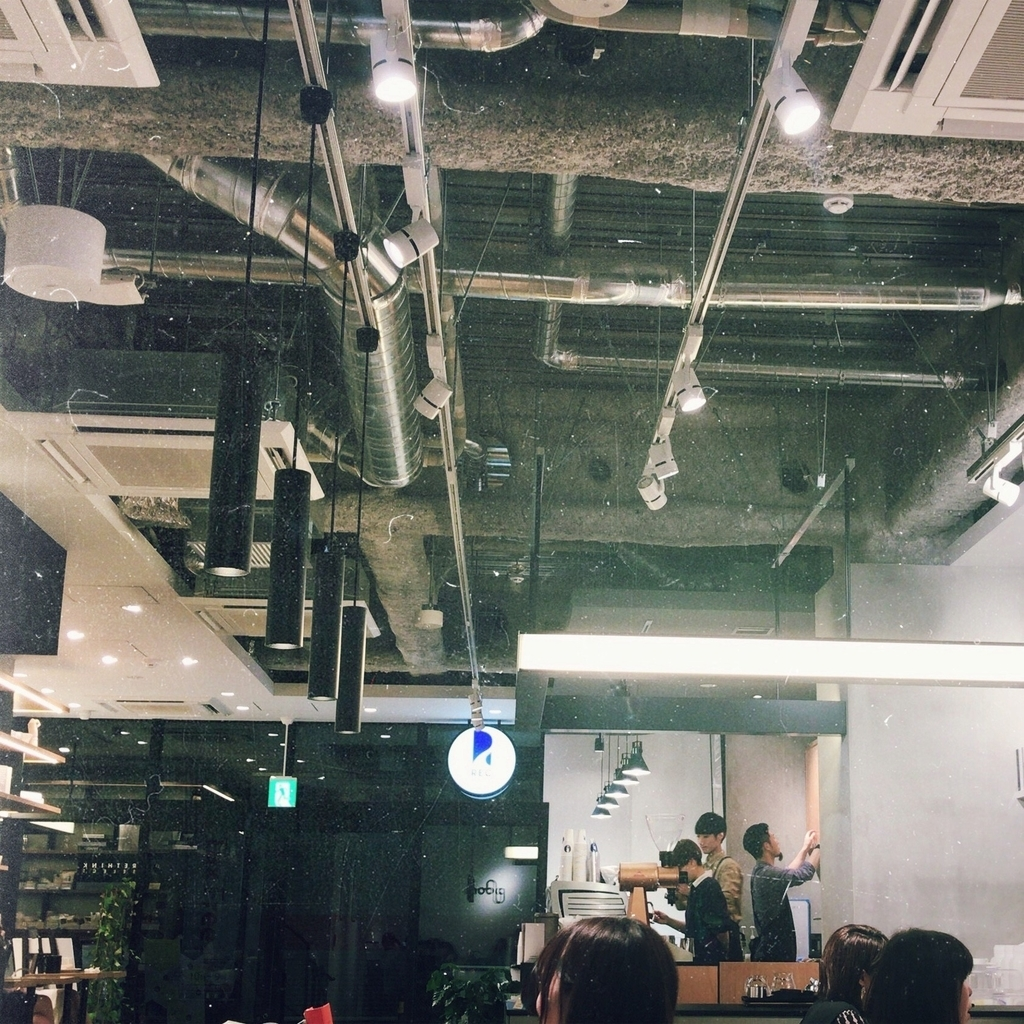 REC COFFEE meets RETHINK CAFE の店内