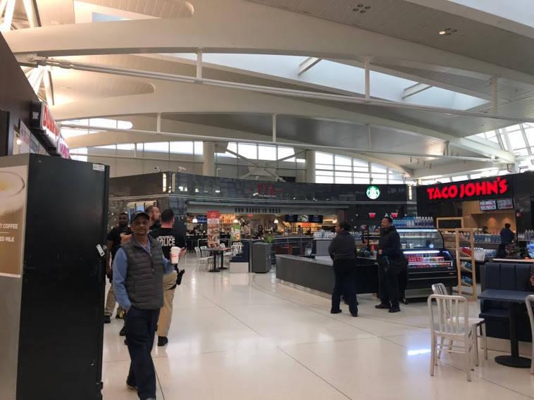 JFK空港のフードコート