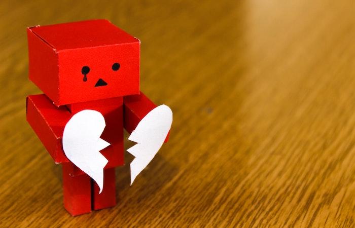 心が壊れたロボット